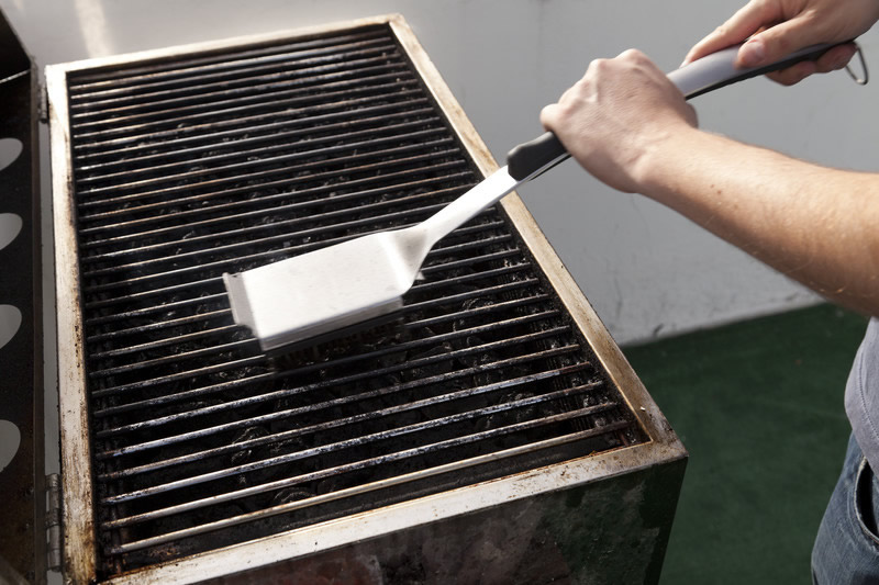 Cleaning a Barbeque Grill